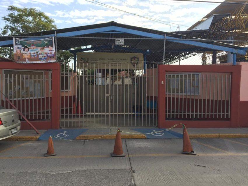 Fraude en escuelas de SLP, desconocido se hace pasar por maestro