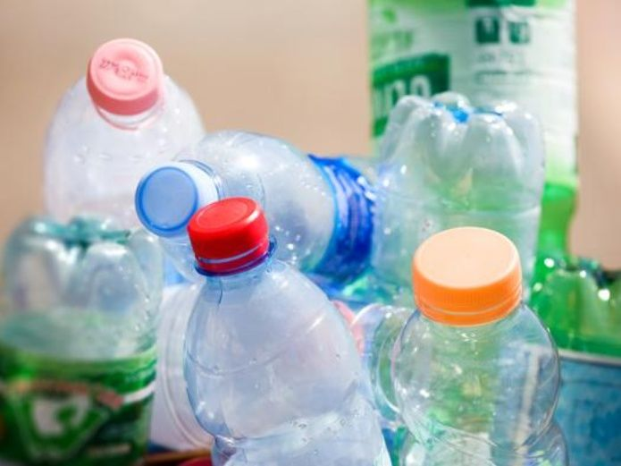 Prohíben envases plásticos en escuelas de SLP