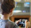 Niños no deben pasar más de una hora en un videojuego