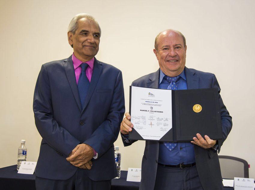 Recibe Rector de la UASLP Medalla José Guadalupe Posada