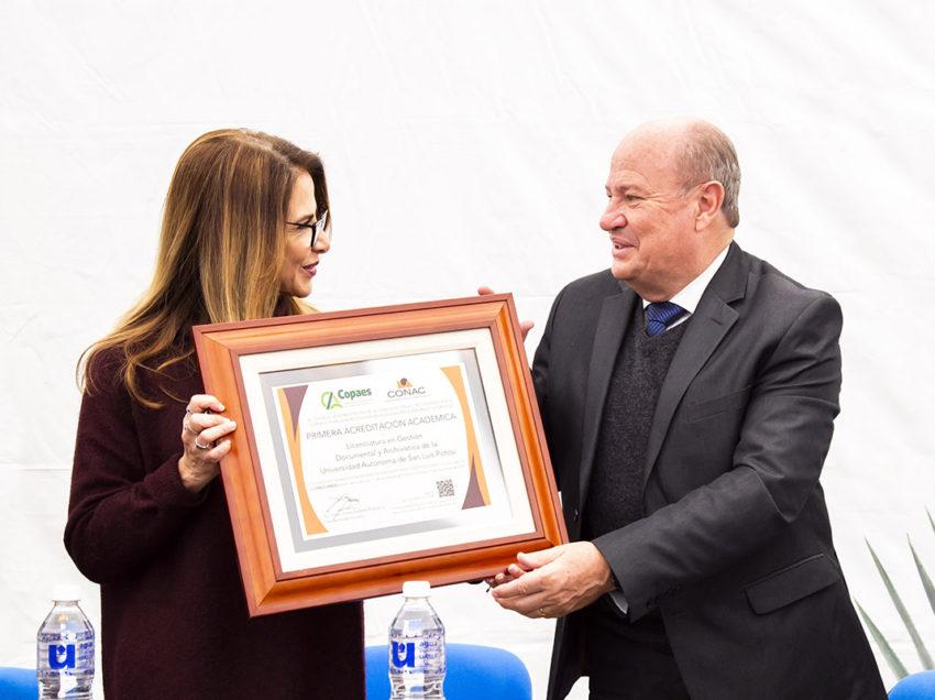 Otorgan acreditación nacional de buena calidad a la licenciatura en gestión de la UASLP